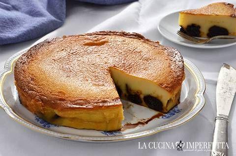 Il flan alle prugne, ovvero, il Far Breton, è un dolce tipico della Bretagna. Si tratta di una sorta di crema che, una volta cotta in forno, assume una consistenza densa e liscia.