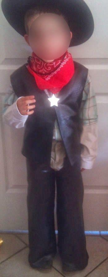 Tutos couture et d guisements fabriquer un d guisement de cow boy pour enfant gilet chaps for Comfabriquer deguisement halloween enfant