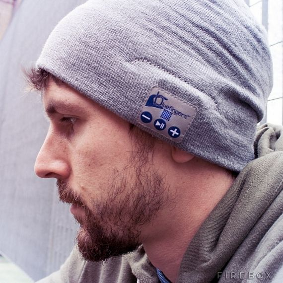 Hands-Free+Bluetooth+Beanie+Lets+You+Tune+Out+The+World+Discreetly