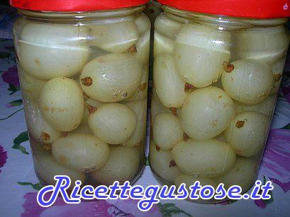 Uva sciroppata - http://www.ricettegustose.it/Liquori_e_marmellate_html/Uva_sciroppata.html