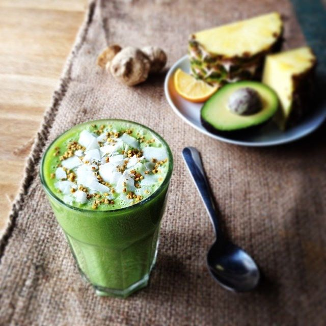 How to Make a Healthy Smoothie - Top tips from @smarterfitter on how to make a balanced smoothie.