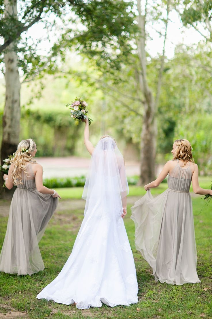 Bridal party flowers by Splendid Wedding Company. Photography by Tyme Photography