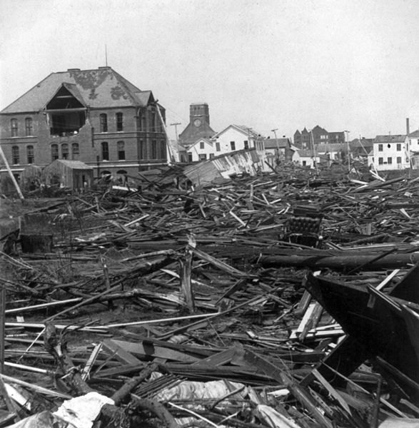 The Hurricane of 1900 made landfall on the city of Galveston in the U.S. state of Texas on Sep 8, 1900. It had estimated winds of 145 miles per hour at landfall, making it a Category 4 storm. It was also the deadliest hurricane in US history with an estimated death toll between 6,000 & 12,000. Because of the destruction of the bridges to the mainland and the telegraph lines, no word of the city's destruction was able to reach the mainland.