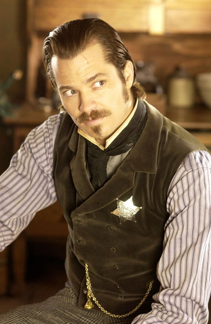 http://images4.fanpop.com/image/photos/23400000/Seth-Bullock-deadwood-23412409-1668-2560.jpg