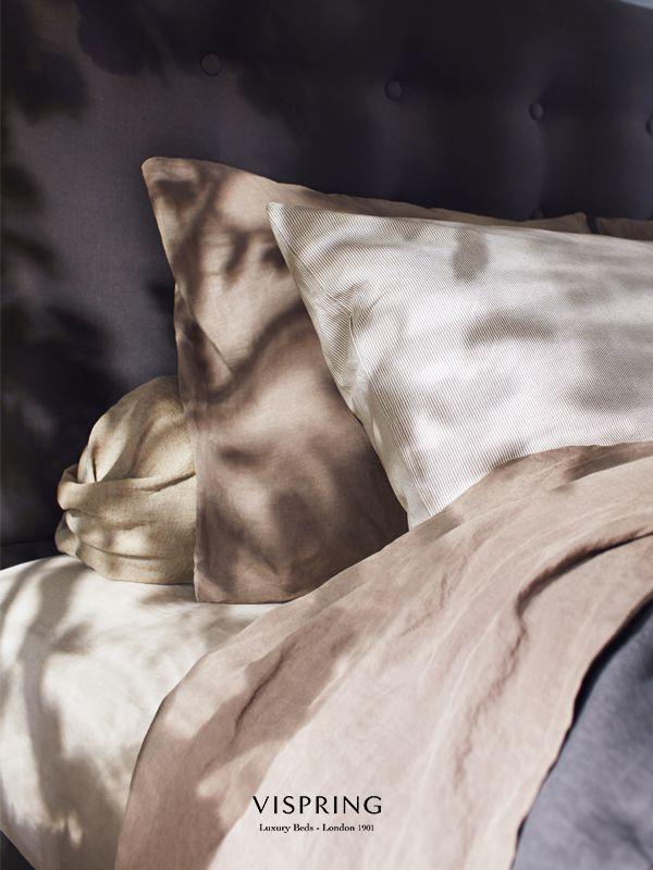 Elegant simplicity.  Vispring Inspiration  elegance bed room deco room Bedlinnen van vlas gemaakt Slaapkenner Theo Bot Zwaag www.theobot.nl