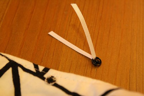 Adding Bra Strap Carriers to your dresses and tops – Dixie DIY