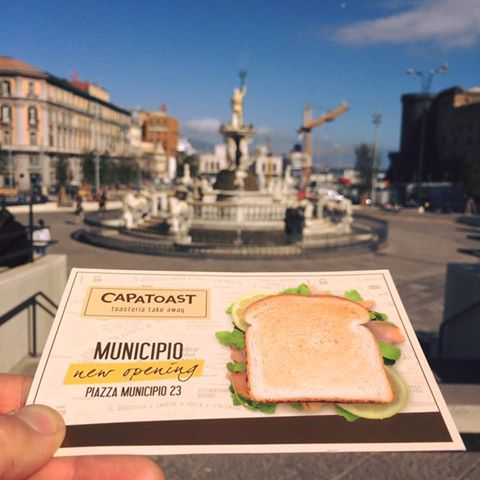 New Opening.. PIAZZA MUNICIPIO #Napoli #capatoast #toasteria @toast #food #takeaway #streetfood