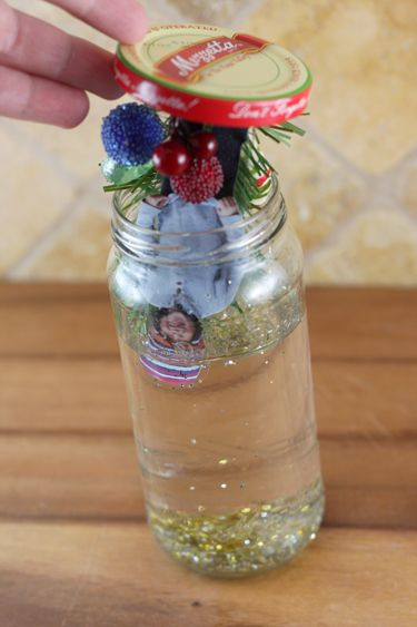 Grandma...........I'm Borrrrrrred!!  This looks like a great winter time boredom buster (and of course snowglobes are my favorite thing). http://www.ourbestbites.com/2011/12/how-to-make-a-homemade-snow-globe/