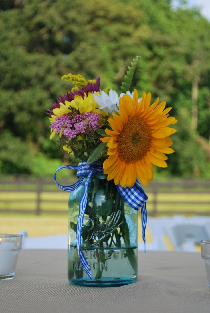 Decorate for family reunion mason jar bouquet