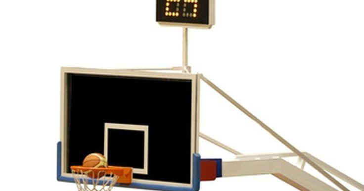 Cómo hacer un calendario de baloncesto. Los administradores de las ligas de baloncesto literalmente pueden encontrar cientos de productos de escritorio descargables en Internet que les facilitan la creación de un calendario. Es por eso que, afortunadamente, los entrenadores que no cuentan con disponibilidad de recursos económicos para hacer un calendario encontrarán las herramientas ...