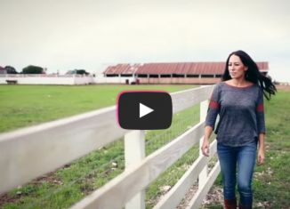 "Faith/TV: HGTV's ""Fixer Upper"" Star, Joanna Gaines Shares Powerful Story All Women Need To Hear"