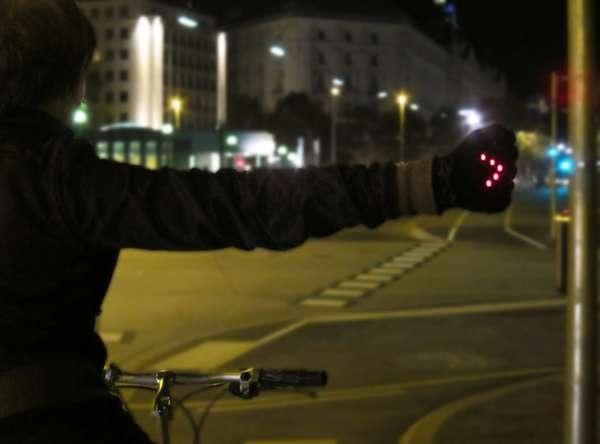 Světelné rukavice   Cykloplanet.cz - Cyklo, kola, horská kola, Tour de France, design, koncepty a další novinky na jednom místě