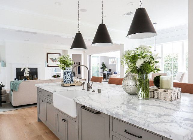 Grey and white marble top island. Kitchen with grey and white marble top island.The countertop is carrara marble. #Greyandwhitemarble #Kitchenisland