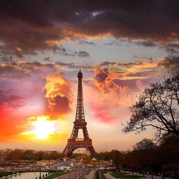Tag your #travel partner!  Did you know that #Paris is notoriously the most #romantic city in the world? Valentine's Day is almost here! Book your #vacation before it's too late! Click the link in our profile to get the best and most romantic hotel deals  --- #sunset #eiffeltower #travel #jetset #valentinesday #vday #valentine #love #couple #travelgram #traveltips #hotel #parishotel #parisian #parisbynight #europe #france #igersfrance #photooftheday #travelphotography #travelphotographer…