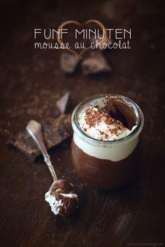 Fünf Minuten-Mousse au Chocolat