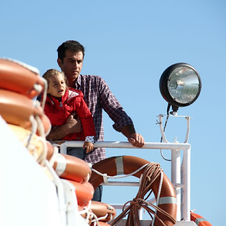Captain Guilio Tommasi (Simone Montedoro) with his daughter Martina (Emma Reale) shooting Don Matteo9 in Spoleto