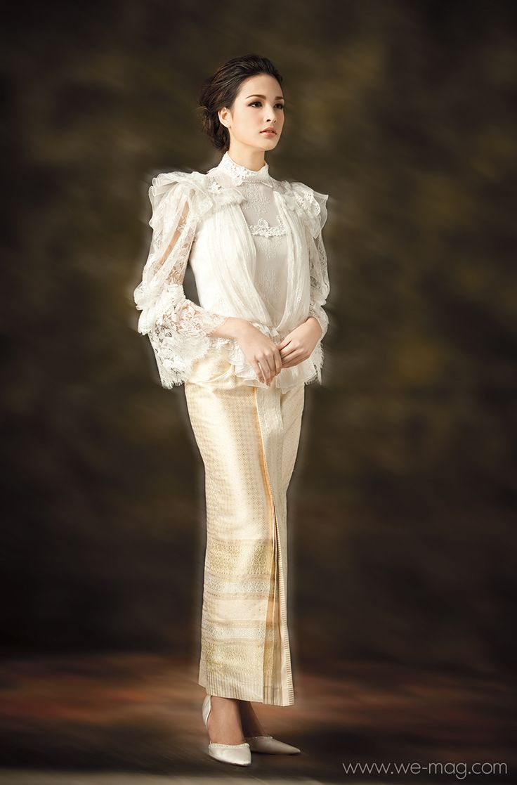 "Thai Traditional Dresses ""Kai Boutique"""