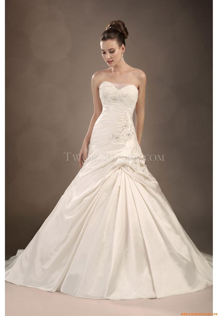 172 best suknie ślubne szyte na miare images on Pinterest | Wedding ...