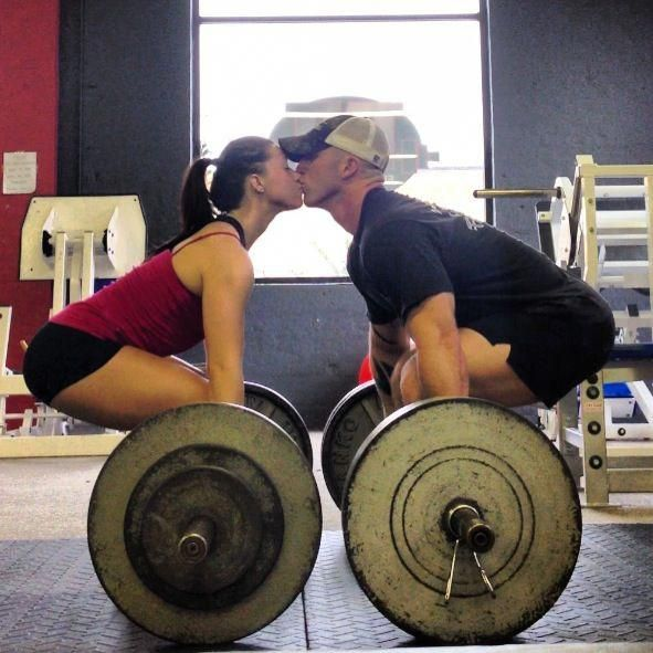 A couple that deadlifts together, stays together ♥  @Sarah Anfinson  descriptions a little lame, i think you get my point ;) #powerliftingdeadliftro…