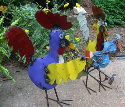 Our musical metal roosters are a fun way to liven up your garden and landscape. Greet your guests with a little jamming interlude and bold color upon arrival. Handcrafted in Mexico, these colorful roo