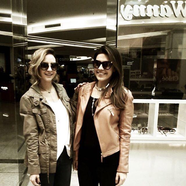 Nossas cliente Lili Paiva e Marilia vieram conferir as novidades em nossa loja do Shopping ABC #lindas #clientewanny #amamos #keepasecret #oticaswanny