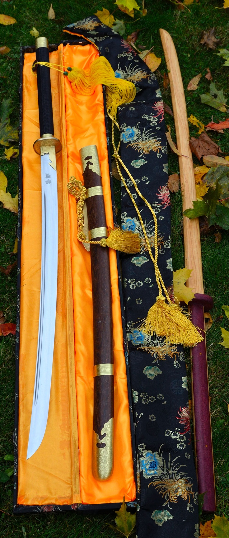 Miao Dao from Zhi Sword forge in Longquan China.  Wooden training Chang Dao with purple-heart handle from Raven.  New tools this autumn. .kwallbridge