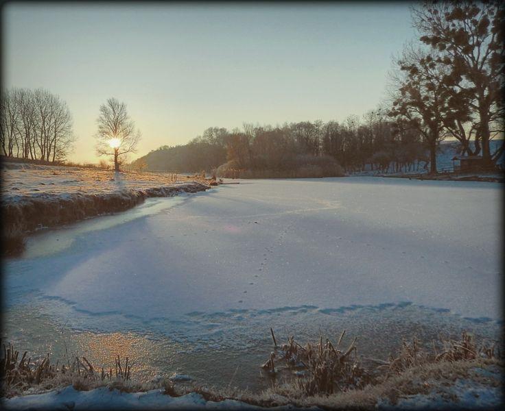 Almádi Ildikó Egy hűvös reggelen A kép január tán leghidegebb reggelén készült... mégis gyönyörű, ahogy a Nap felkel. Több kép Ildikótól: www.facebook.com/ildiko.almadi