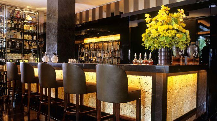 Барная стойка - один из самых важных элементов офрмления дизайна ресторана или бара. Эксклюзивная мебель на заказ и дизайн интерьера от Компании Терес.
