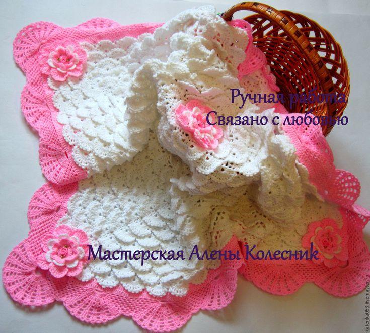 Купить или заказать Детский  вязаный плед'Нежность' в интернет-магазине на Ярмарке Мастеров. Вязаный плед - прекрасный подарок к рождению малыша. Он создаёт тепло и уют. Мягкие вязаные пледы для новорожденных можно использовать в качестве конвертов на выписку, как покрывало на кровать, чтобы согреть малыша в коляске. На заказ возможно изготовление любого цвета.