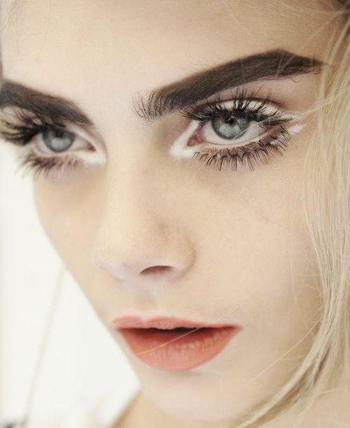 cliomakeup-prodotti-economici-makeup-artist-14-ciglia-finteArdell, Ciglia finte Natural Style. Su Amazon.it a 5,51€-ciglia finte Ardell