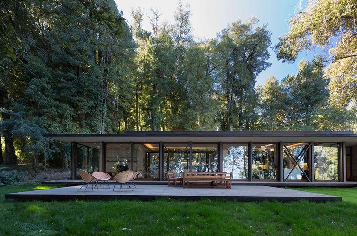 Современный экстерьер загородного дома