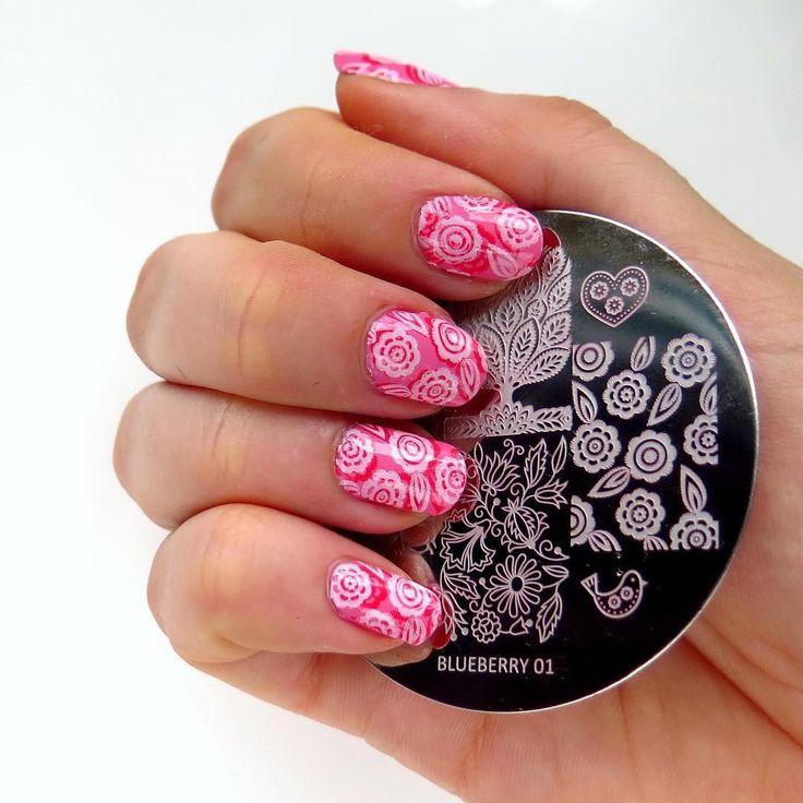 """""""Przepiękna płytka do stempli z @blueberrystorepl  i kwiatowe, kobiece zdobienie paznokci  #nailart #blueberry01 #blueberrystore #stampingnailart…"""""""