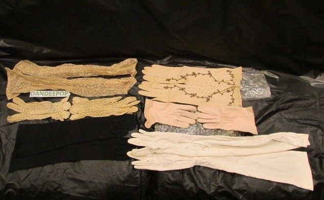 Vintage 5 pairs of ladies gloves and a pair of sleeves, crochet, lace, Hansen #gloves #vintagegloves #vintage #dandeepop Find me at dandeepop.com