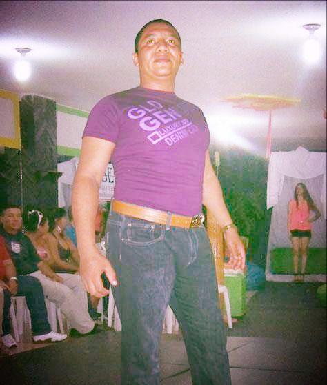 Nell David Perez Gaitan,,15 minuticos de gloria, modelando