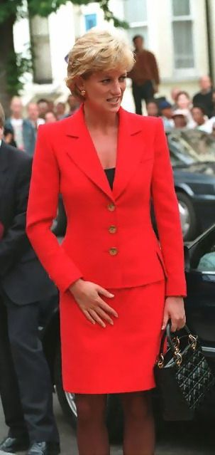 Princessdianafrances:  in red