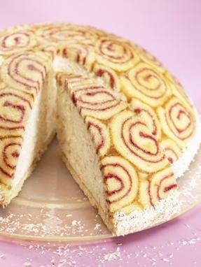 Eine sahnige Torte mit Konfitüre, da werden Ihre Gäste staunen