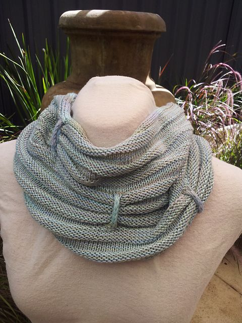 Transverse Cowl Knitting Pattern : 1000+ images about Knitting-cowls, shawls, scarves on Pinterest