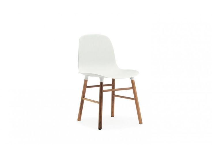Krzesło Form Orzechowe białe — Krzesła Normann Copenhagen — sfmeble.pl