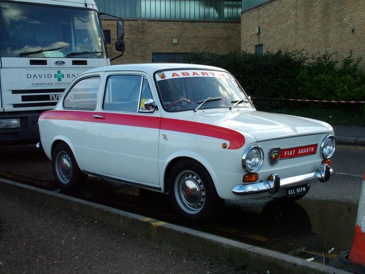 Fiat Abarth 850. Such a cute car