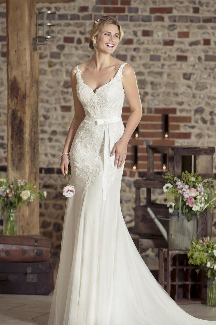 Contemporary Wedding Dresses and Vintage Inspired Bridal Gowns | W232 | True Bride