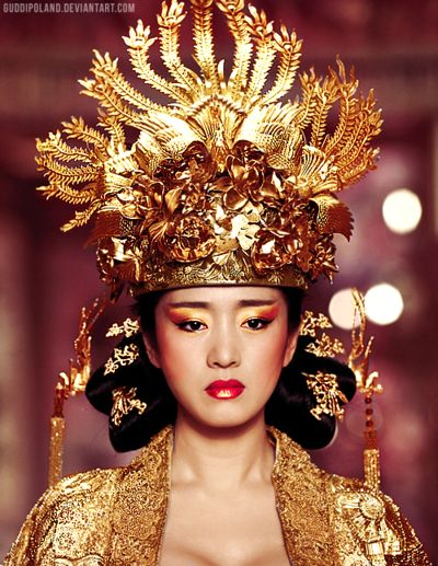 chloe-fawn-blogazine:    Gong Li as Empress Phoenix in 'Curse of The Golden Flower'
