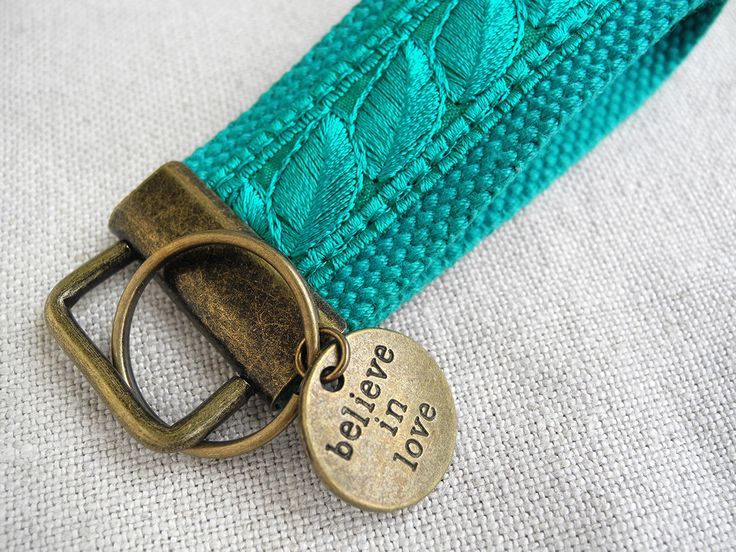 Ein persönlicher Favorit aus meinem Etsy-Shop https://www.etsy.com/de/listing/460044694/turquoise-mini-keyfob-fabric-keychain