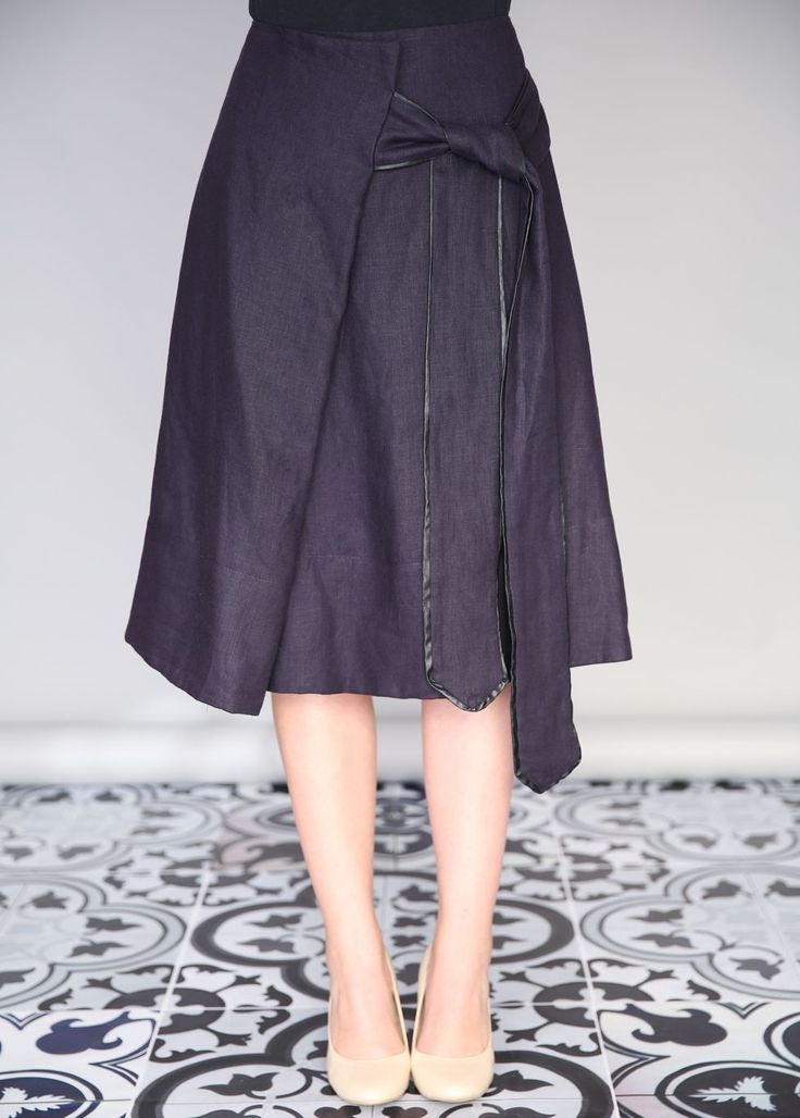 Navy All Tied Up Linen Skirt | ModLi