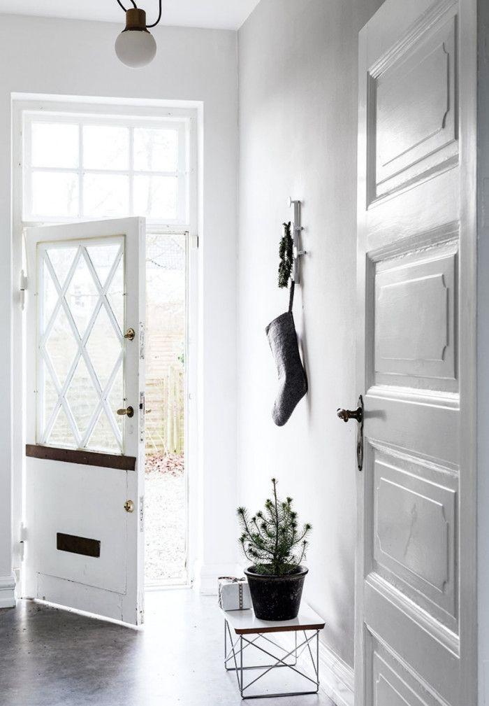 Jonas Bjerre-Poulsen standard-architects-hjem-doer-fir Jul entre indgang-dWBoi5jn75pmNrS4104CSg