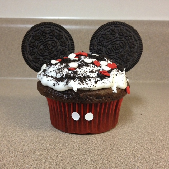 Mickey Mouse Cup Cakes I made for Kenyon's school Birthday Party.