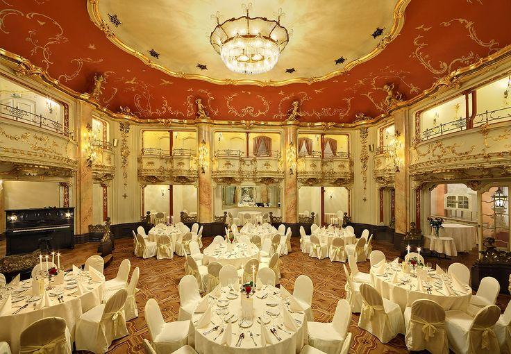 #Boccaccio hall