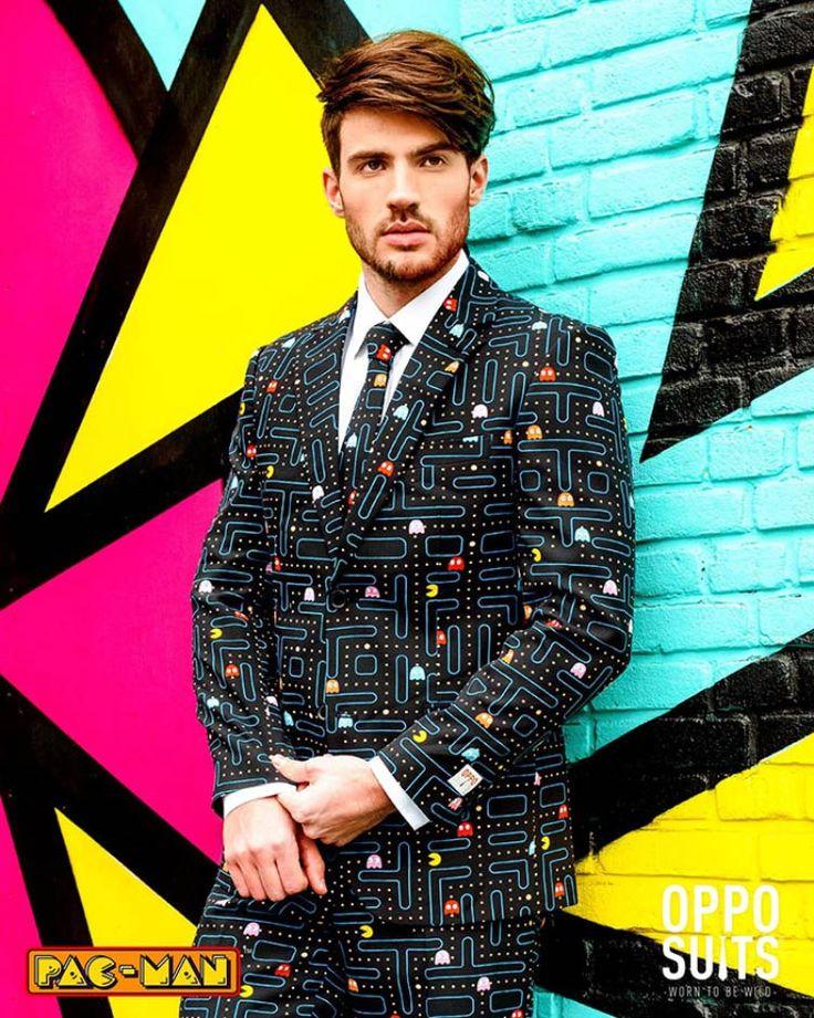 Os fãs do clássico game Pac-Man vão querer ter esse terno no guarda-roupa!