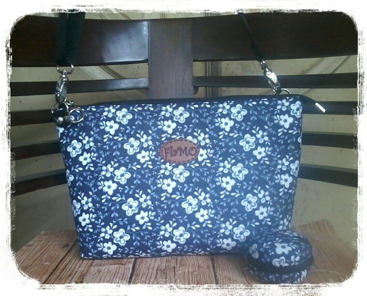simple sling bag 32x20x8