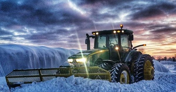 From @smithdill91 Follow the crew @agriculture_worldwide @farmporn @agriculturelife @newhollandfanclub @alberta_farming @claas_agriculture @alberta_agriculture @fs_13_15 @massey_ferguson_tractors #case #ih #johndeere #newholland #fendt #agco #challenger #bigbud #masseyferguson #belarus #valtra #valmet #mccormick #ursus #versatile #zetor #claas #landini #deutz #krone #caseih #cat #caterpillar #steyr #cummins #ford #tractor #farm #farming #agriculture for http://ift.tt/2gUqHTb