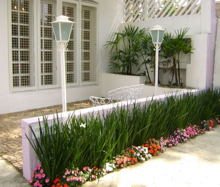 jardim pequeno com gramas e pedras - Pesquisa Google